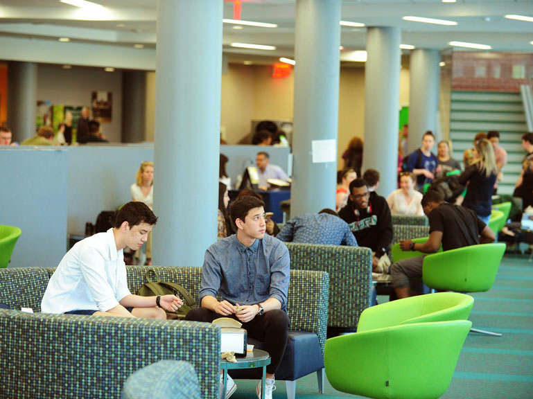 students in the Kelly Commons