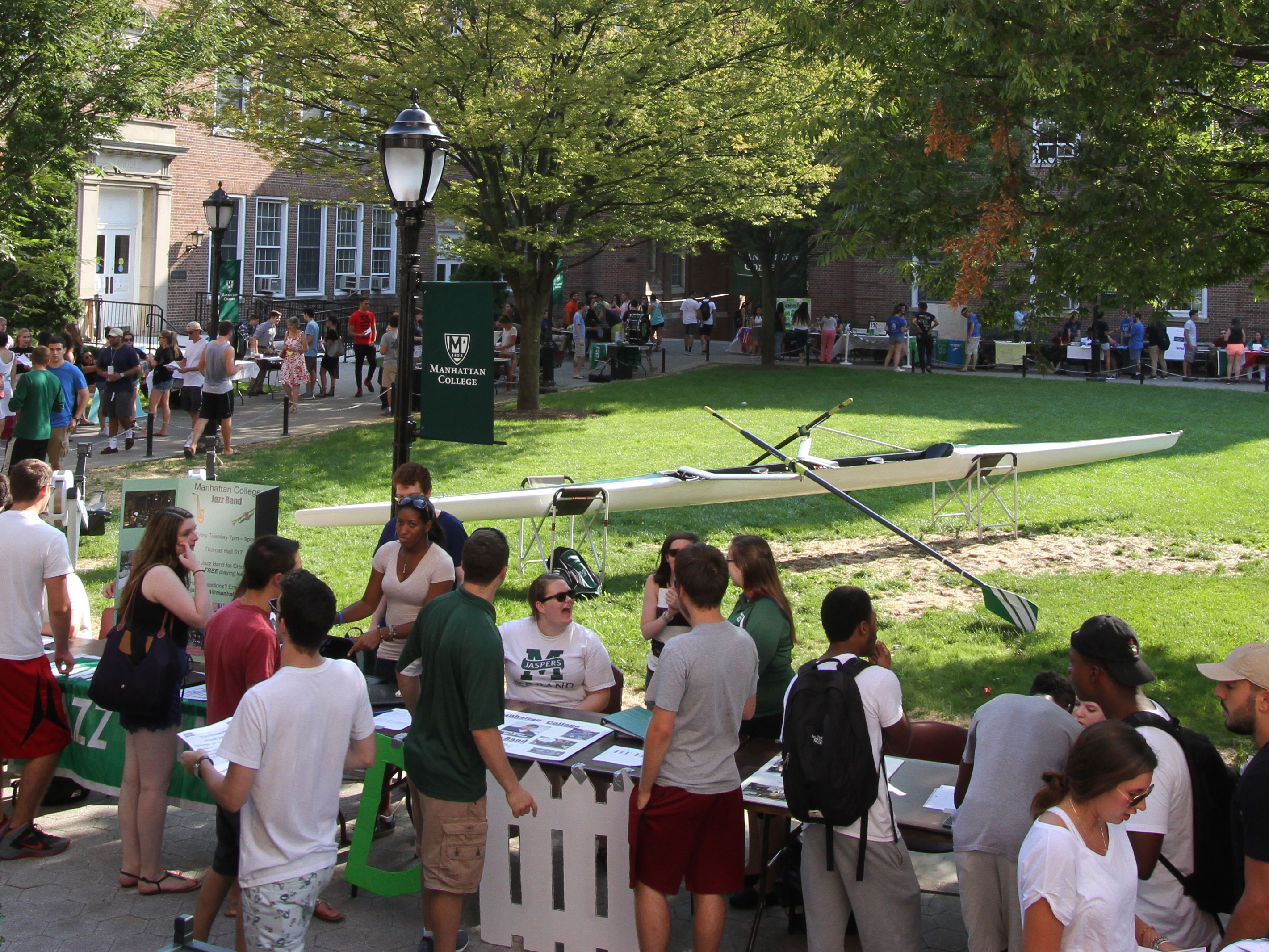student engagement and volunteer fair on the quad