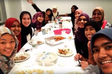 Students have dinner at Mosque