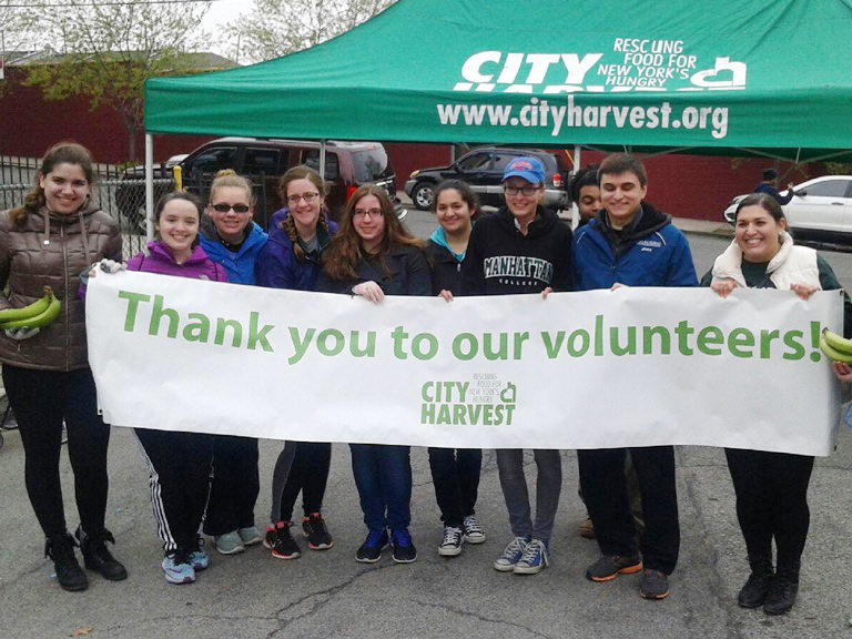 LOCo members team up with the food waste-reducing organization, CityHarvest.