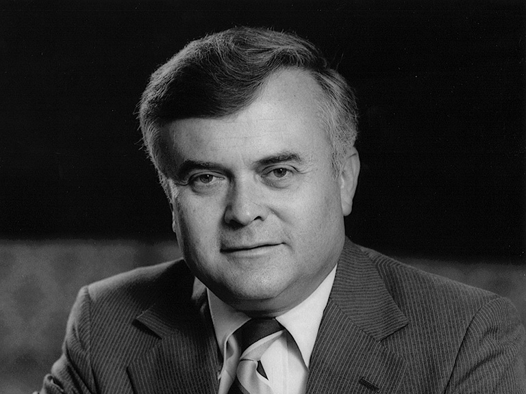 George Knapp '53
