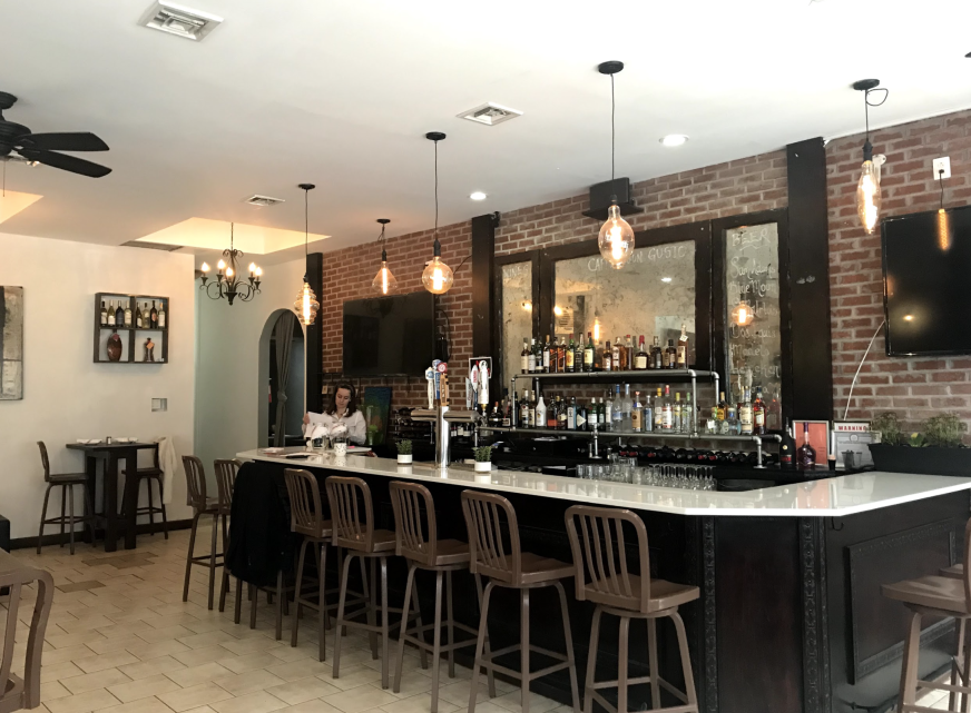 Image of bar area in Riverdale restaurant.