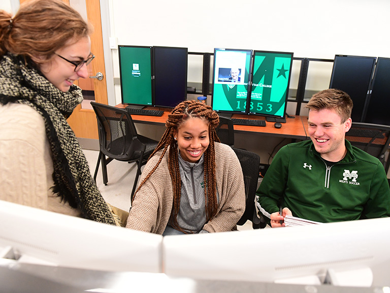 Students in Manhattan College lab