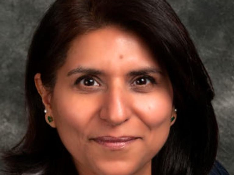 Portrait photo of Poonam Arora