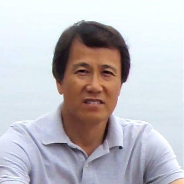 Dong Lee portrait photo