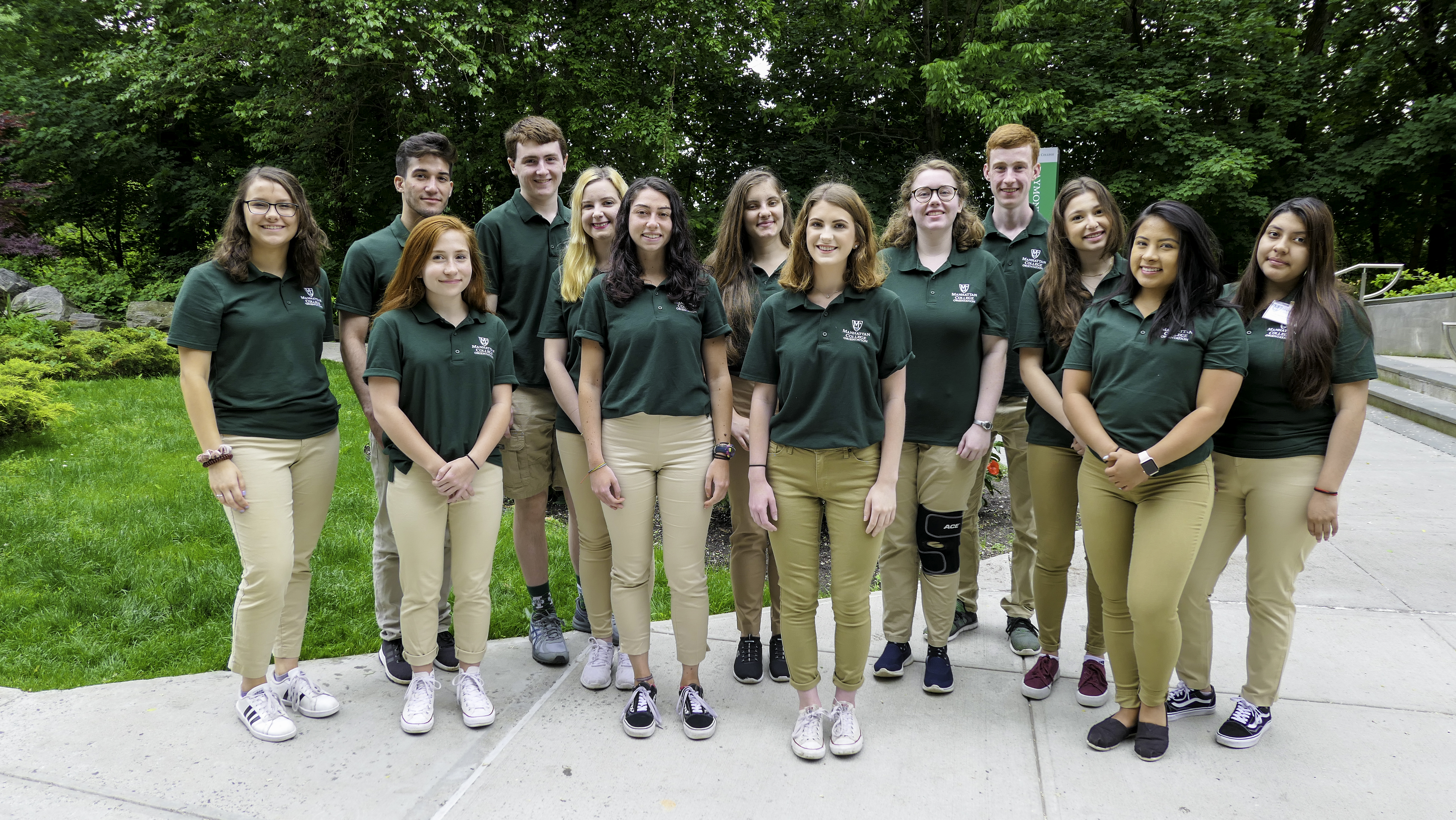 2019-Orientation-Leaders-Group-2.jpg