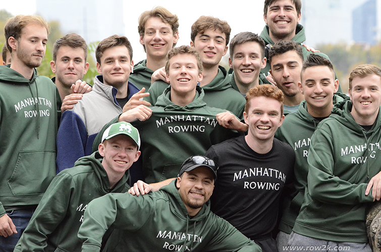 Group photo of men's rowing club
